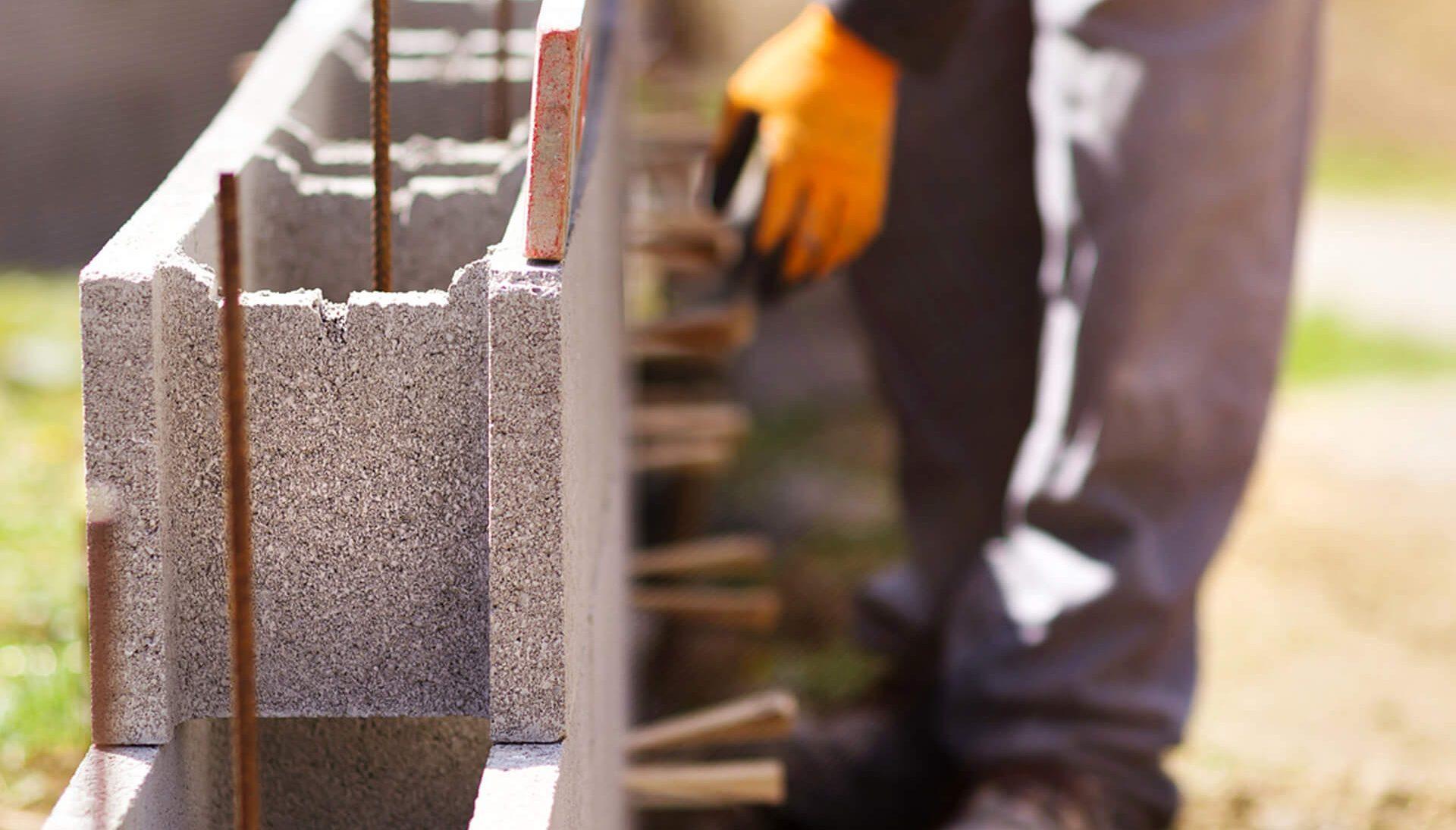Construction, rénovation, terrassement... - ✆ 04 90 220 998